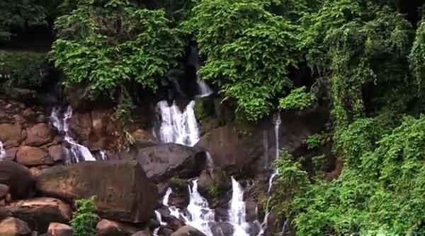 Songrampunji-waterfall