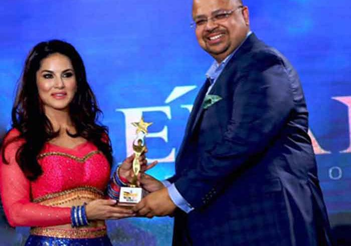 Sunny-Leone in Dhallywood Film and Music Awards