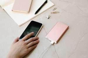 Mobile-Phone-charging
