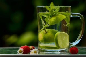 Water-Infused-with-Lime-and-Mint