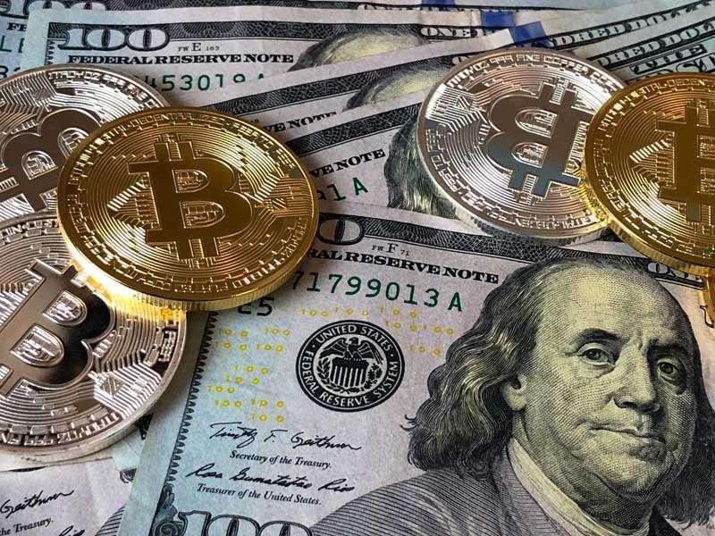 Bitcoins-and-USA-Dollar