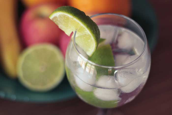 Green-Sliced-Lime-on-Clear-Glass-Cup