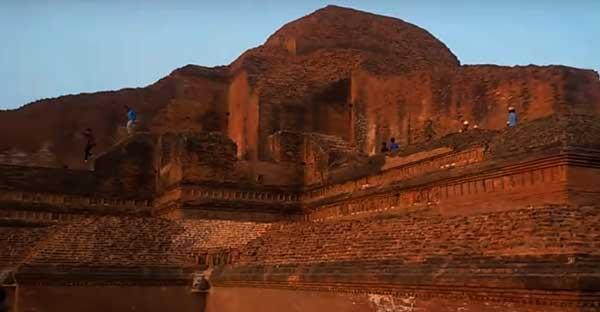 Paharpur-Buddhist-Monastery