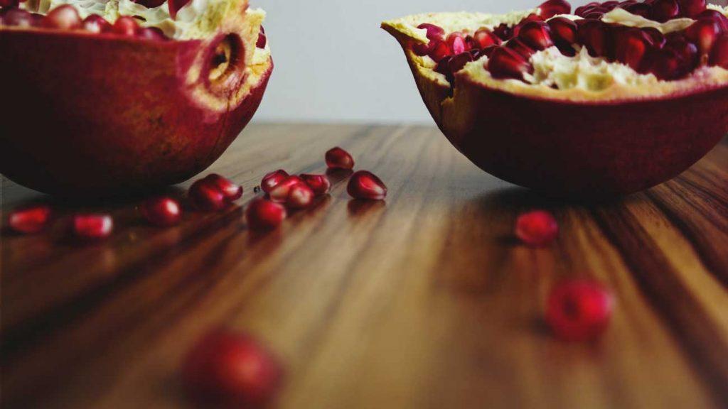 Turkey-New-Year-food-Pomegranate