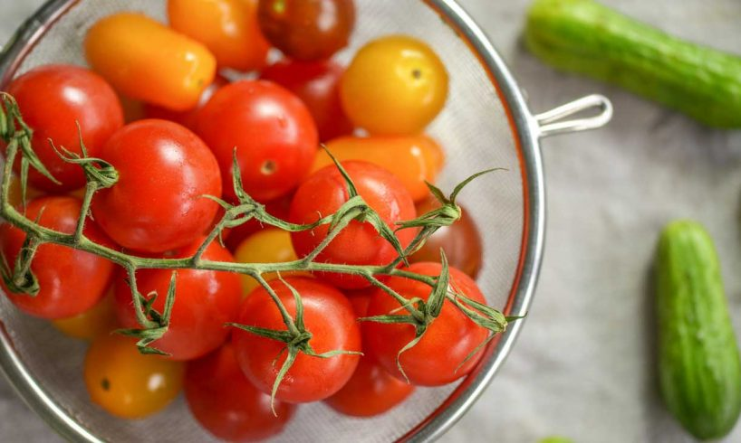 Tomato-and-cucumber-for-face-toner